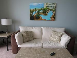 Oceanfront Superior One-Bedroom Apartment