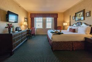 Club Deluxe King Room