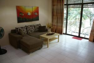 Photo of Beach Apartment Hat Mae Ramphueng