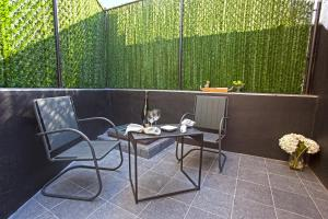 Photo of Modern 2b/1.5 Condo With Outdoor Space