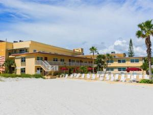 #120 At Surf Song Resort, Apartments  St Pete Beach - big - 17