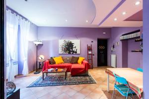 Purple House - abcRoma.com
