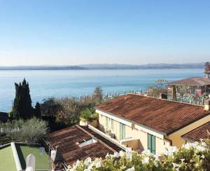 Photo of Appartamento Fronte Lago