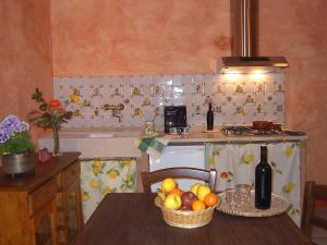 Agriturismo QuartoPodere, Farm stays  Magliano in Toscana - big - 9