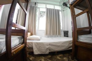 Single Bed in Female Dormitory Room (5 Adults)