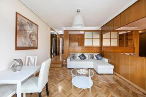 Appartamento Paseo del Prado Apartment 2, Madrid