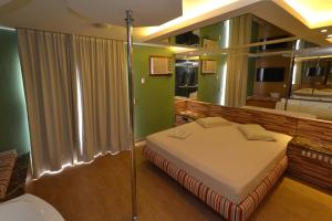 Luxury Suite with Spa Bath and Sauna