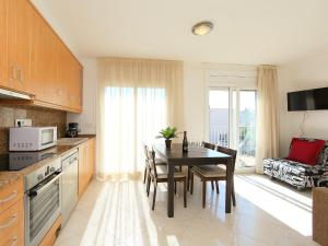 Apartment Puigmal 138 E1, Appartamenti  Empuriabrava - big - 7