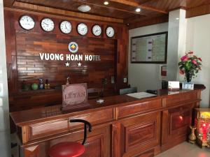 Photo of Vuong Hoan 2