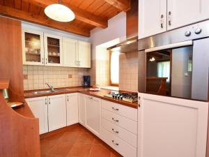 Holiday Home Lorena, Дома для отпуска  Tinjan - big - 19