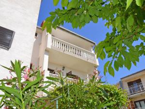 Apartment Karlo.2, Appartamenti  Tribunj - big - 9