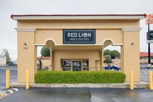 Photo of Red Lion Inn & Suites Redding