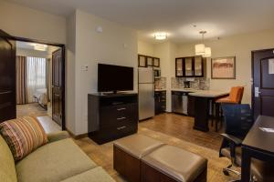 One-Bedroom King Suite- Disability Access /Non-Smoking