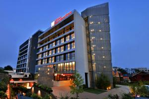 отель Hilton Garden Inn Milan North, Милан
