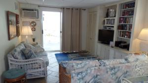 Apartment with Sea View Unit 209