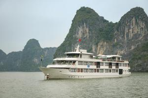 Photo of La Vela Premium Cruise