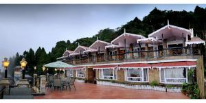 Photo of Summit Grace Resort & Spa