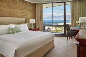 Deluxe King Room with Ocean View