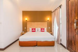 Photo of Zen Rooms Seminyak Batu Belig