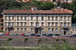 Florence View Apartments