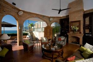 Vida Sol at CTV - Three-Bedroom Beachfront Villa with Private Pool