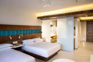 Queen Room with Two Queen Beds - Oceanview
