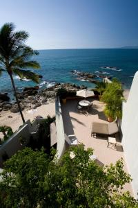 Vida Mar at CTV - Four-Bedroom Beachfront Villa with Private Pool