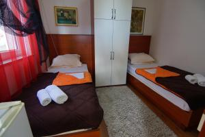Apartments and Rooms Villa Gaga 2, Bed & Breakfasts  Budva - big - 29
