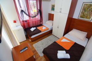 Apartments and Rooms Villa Gaga 2, Bed & Breakfasts  Budva - big - 28