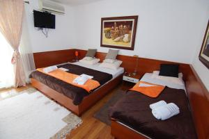 Apartments and Rooms Villa Gaga 2, Bed & Breakfasts  Budva - big - 34