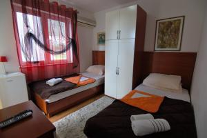 Apartments and Rooms Villa Gaga 2, B&B (nocľahy s raňajkami)  Budva - big - 97