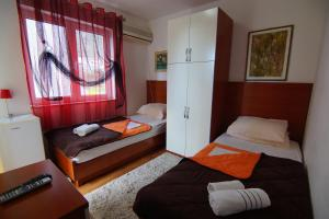 Apartments and Rooms Villa Gaga 2, B&B (nocľahy s raňajkami)  Budva - big - 87