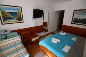 Apartments and Rooms Villa Gaga 2, Bed & Breakfasts  Budva - big - 38