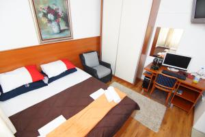 Apartments and Rooms Villa Gaga 2, Bed & Breakfasts  Budva - big - 39
