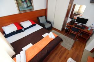 Apartments and Rooms Villa Gaga 2, Bed & Breakfasts  Budva - big - 24