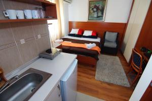 Apartments and Rooms Villa Gaga 2, Bed & Breakfasts  Budva - big - 41