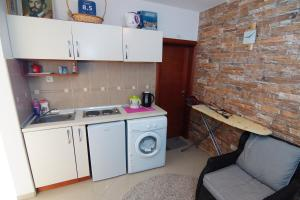 Apartments and Rooms Villa Gaga 2, Bed & Breakfasts  Budva - big - 98