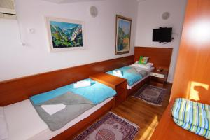 Apartments and Rooms Villa Gaga 2, Bed & Breakfasts  Budva - big - 43