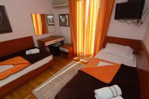 Apartments and Rooms Villa Gaga 2, Bed & Breakfasts  Budva - big - 102