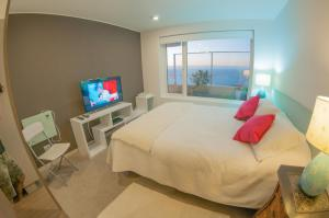Photo of Oceana Suites Costa Montemar