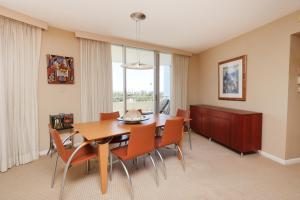 Large Luxury Apartment, 2 Bedrooms, Beachfront Property