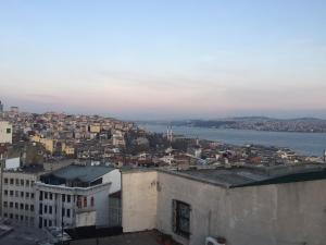 Photo of Galata Tower Exotic Apartment