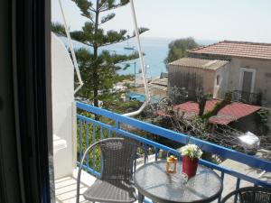 Sunrise Flora, Apartments  Agia Marina Aegina - big - 23
