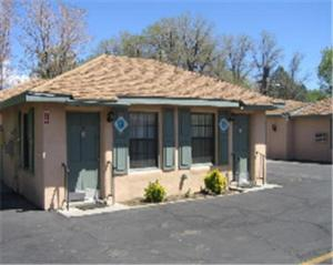 Photo of Bishop Elms Motel