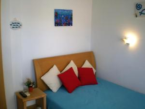Sunrise Flora, Apartments  Agia Marina Aegina - big - 30