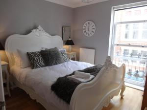 Burlington Beach Apartment in Brighton & Hove, East Sussex, England
