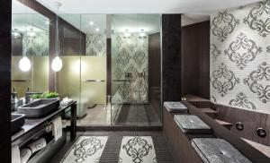 Superior Suite with City View