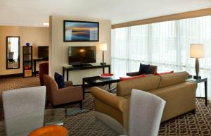 One-Bedroom Suite 2 Queen Beds - Free Wifi & Cont'l Bkfst