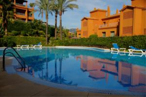 Luxury Apartment in Benatalaya, Ferienwohnungen  Estepona - big - 1