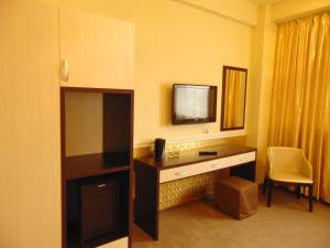 Best Western Plus Briston Hotel, Hotely  Otopeni - big - 2